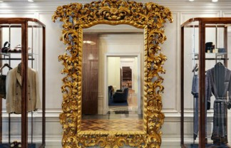 Neoclassicism and Luxury displayed in the new Dolce&Gabbana Milan Store