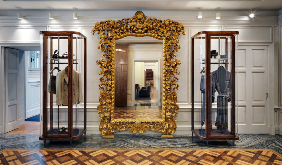 Neoclassicism and Luxury displayed in the new Dolce ...