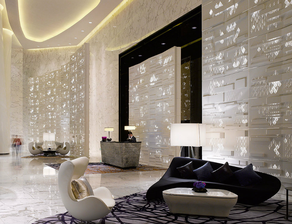 Four Seasons Hotel, Guangzhou Interior Design by HBA lighting design ideas World's best lighting design ideas arrives at Milan's modern hotels Worlds best lighting design ideas arrive at Milans modern hotels 2109 WillPryce 1st Floor Arrival Lobby