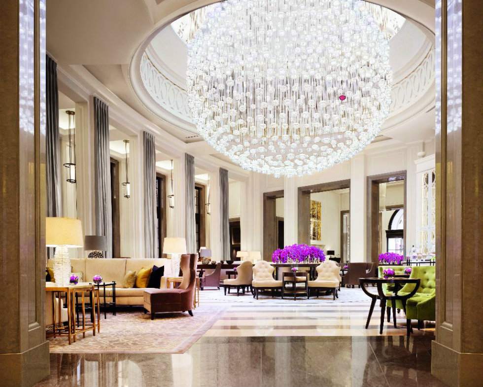 Lighting Design Ideas at Corinthia Hotel lighting design ideas World's best lighting design ideas arrives at Milan's modern hotels Worlds best lighting design ideas arrive at Milans modern hotels The Lobby Lounge Corinthia Hotel London