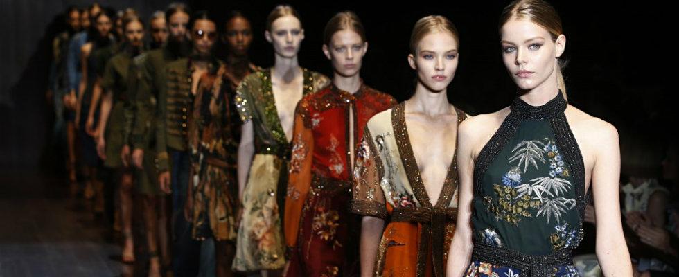 Milan-Fashion-Shows-Schedule-2015-1024x614