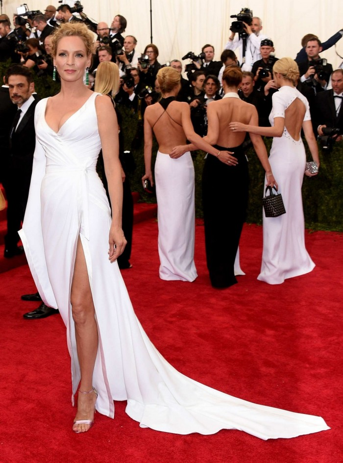 MET Gala 2015 Red Carpet The Stunning Italian Fashion Brands Dresses-Irina Shayk Versace  MET Gala 2015 Red Carpet The Stunning Italian Fashion Brands Dresses -Uma Thurman Versace MET Gala 2015 Red Carpet The Stunning Italian Fashion Brands Dresses Uma Thurman Versace 700x944