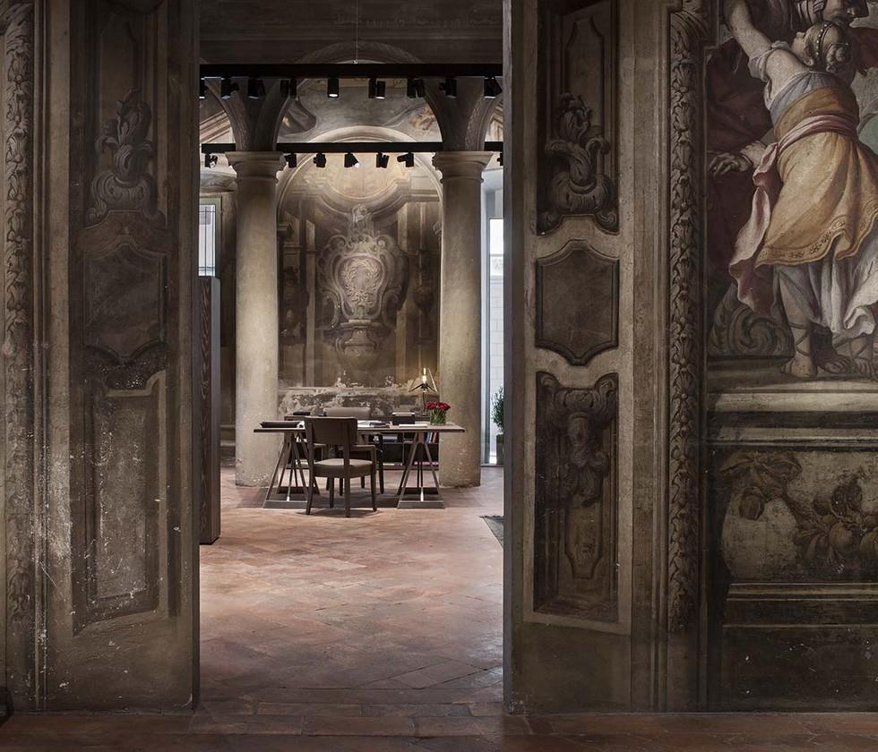 Milan Fashion Boutiques Bottega Veneta first Home Collection store (5)