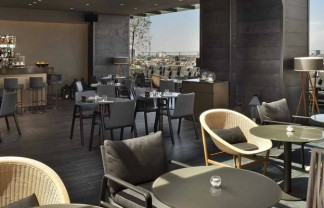 Milan City Guide: Enjoy your summer at Piazza della Reppublica rooftop bar