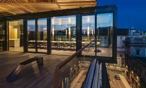 Park Associati invites you to have a seat at this bird-view rooftop Milan Restaurant