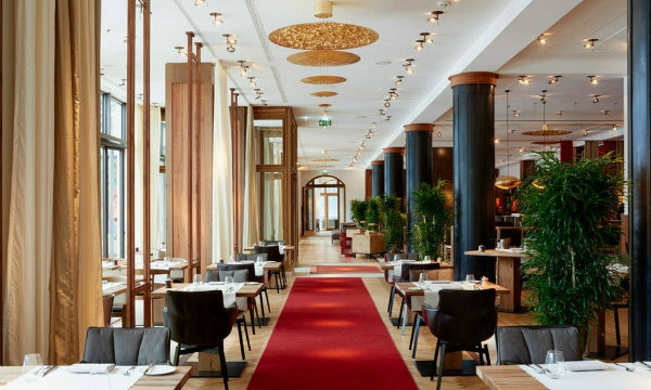 Italian Furniture Brands News Patricia Urquiola and B&B Italia furnishes a luxury suite (1)