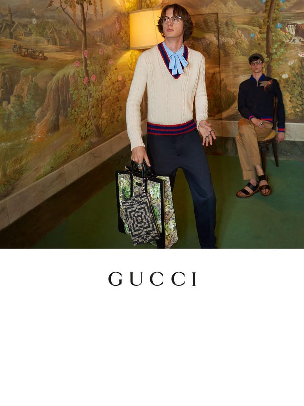 Milan Fashion Boutiques Gucci unveils new store concept (4) Milan Fashion Boutiques: Gucci unveils new store concept Milan Fashion Boutiques: Gucci unveils new store concept Milan Fashion Boutiques Gucci unveils new store concept 4