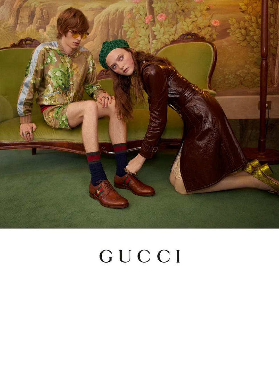 Milan Fashion Boutiques Gucci unveils new store concept (6) Milan Fashion Boutiques: Gucci unveils new store concept Milan Fashion Boutiques: Gucci unveils new store concept Milan Fashion Boutiques Gucci unveils new store concept 6