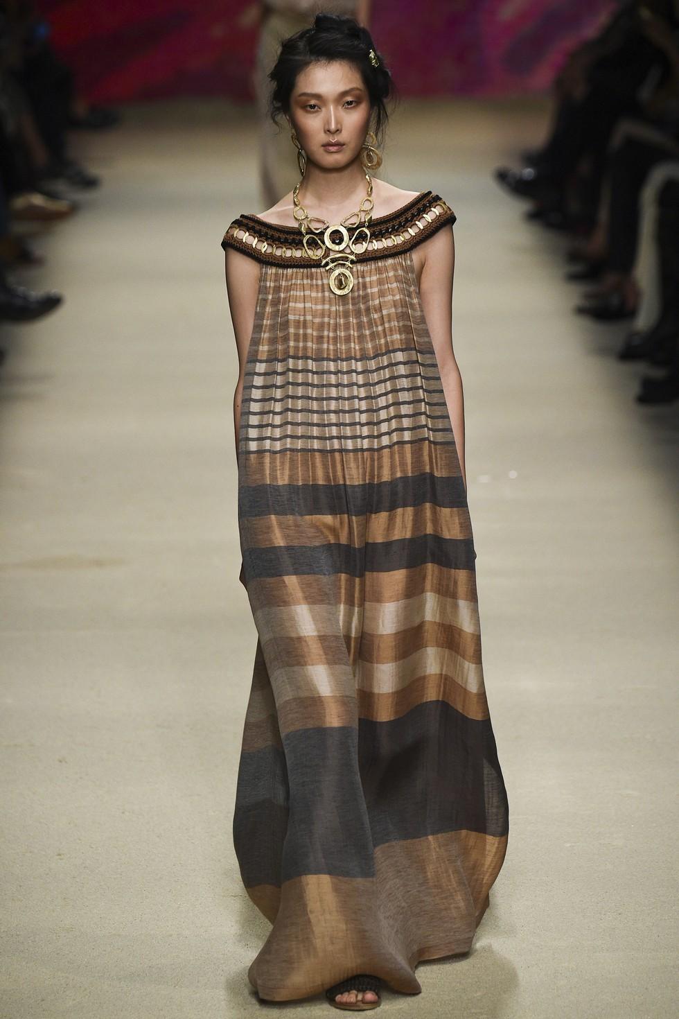 Milan Fashion Week 2016 Spring Summer News Day one best moments-Alberta Ferretti