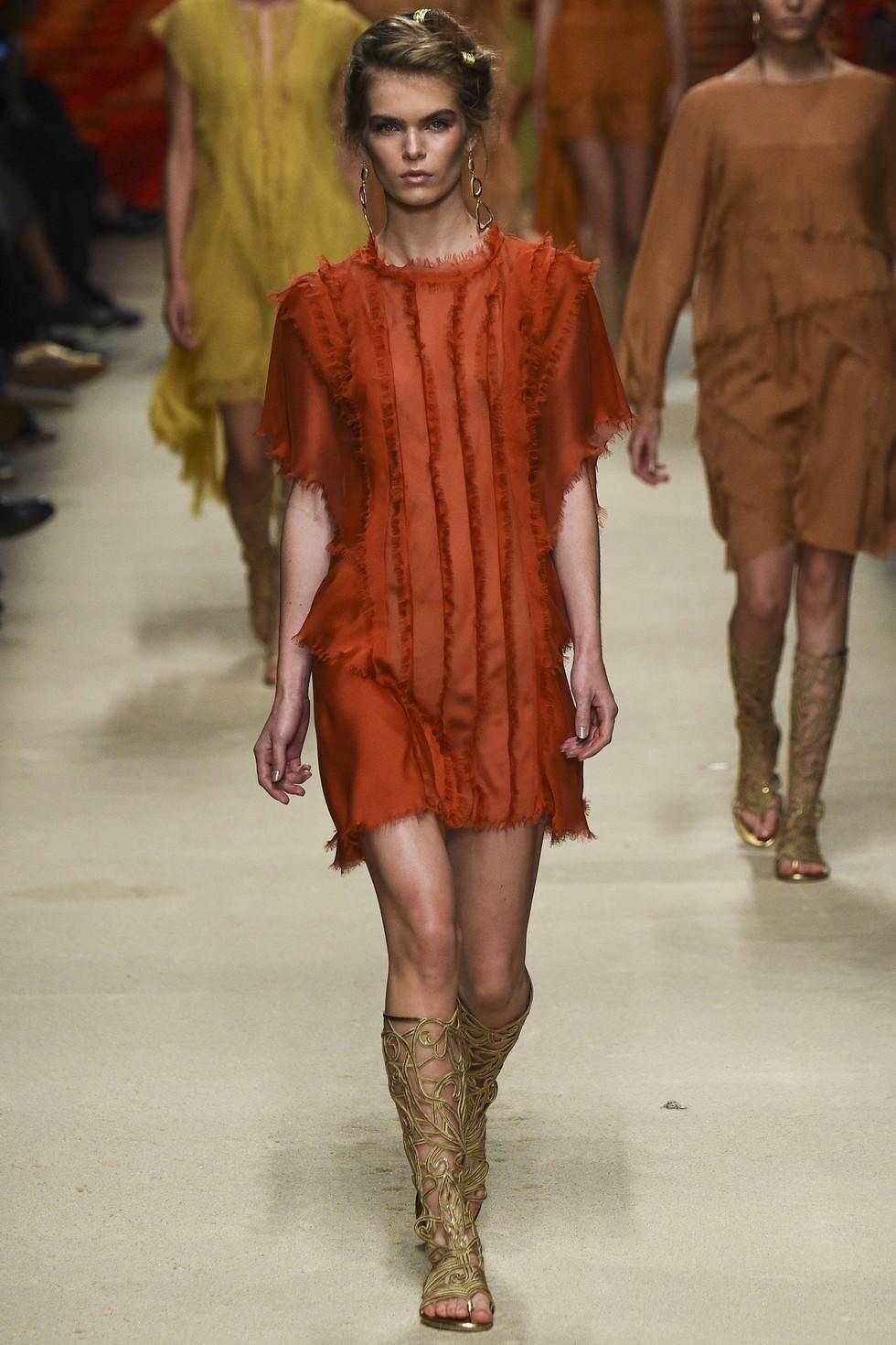 Milan Fashion Week 2016 Spring Summer News Day one best moments-Alberta Ferretti (4)