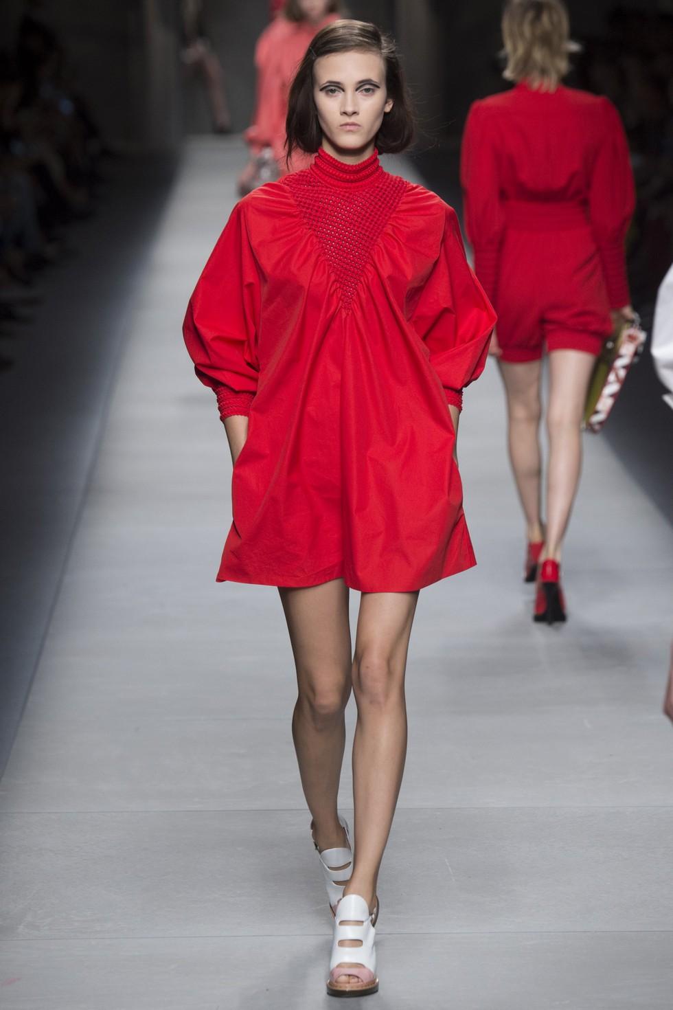 Milan Fashion Week 2016 Spring Summer News Day two best moments-Fendi Milan Fashion Week 2016 Spring Summer News: Day two best moments Milan Fashion Week 2016 Spring Summer News: Day two best moments Milan Fashion Week 2016 Spring Summer News Day two best moments Fendi 1