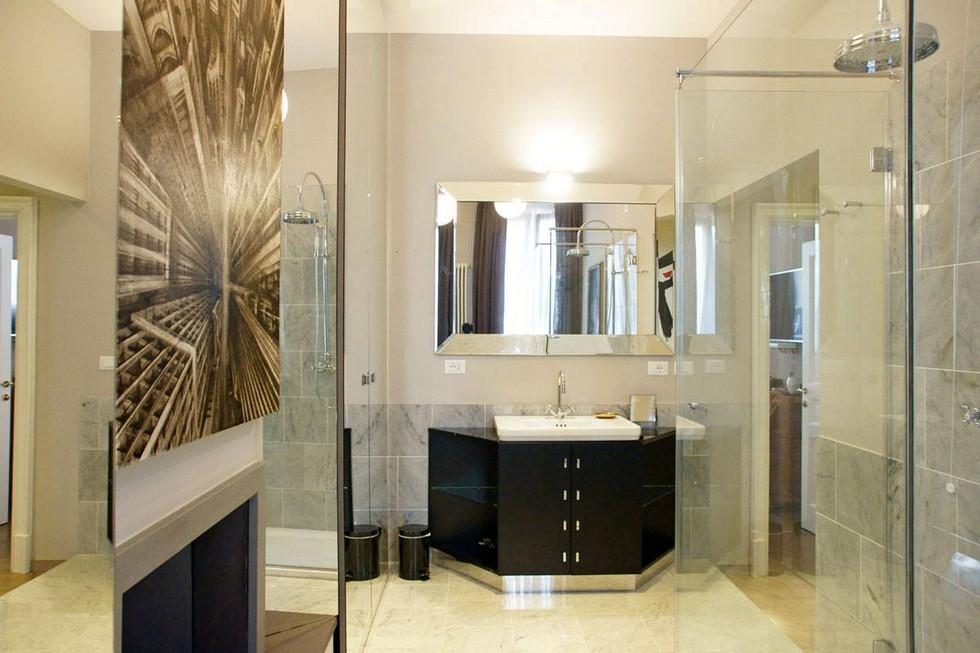 Hotel bathroom ideas Milan Interior Designers: Undici Milano hotel designed by Samuele Mazza Milan Interior Designers: Undici Milano hotel designed by Samuele Mazza Milan Interior Designers Undici Milano hotel designed by Samuele Mazza 10
