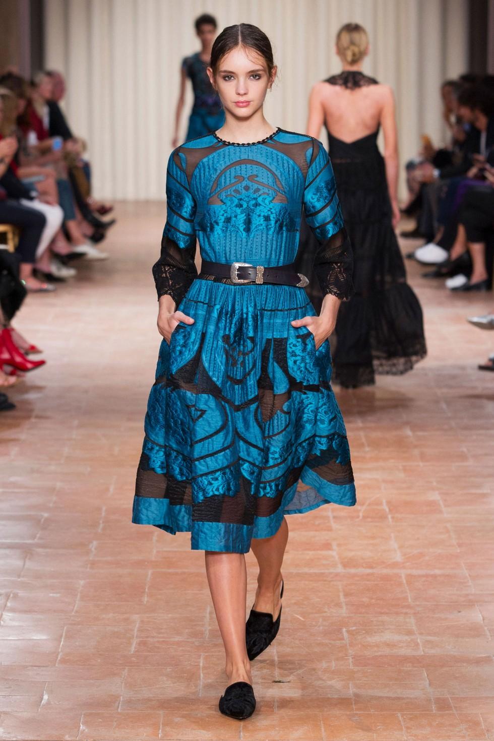 Albert Ferretti fashion dresses milan fashion spring summer 2017 Milan Fashion Spring Summer 2017 – day one best moments Alberta Ferretti 3