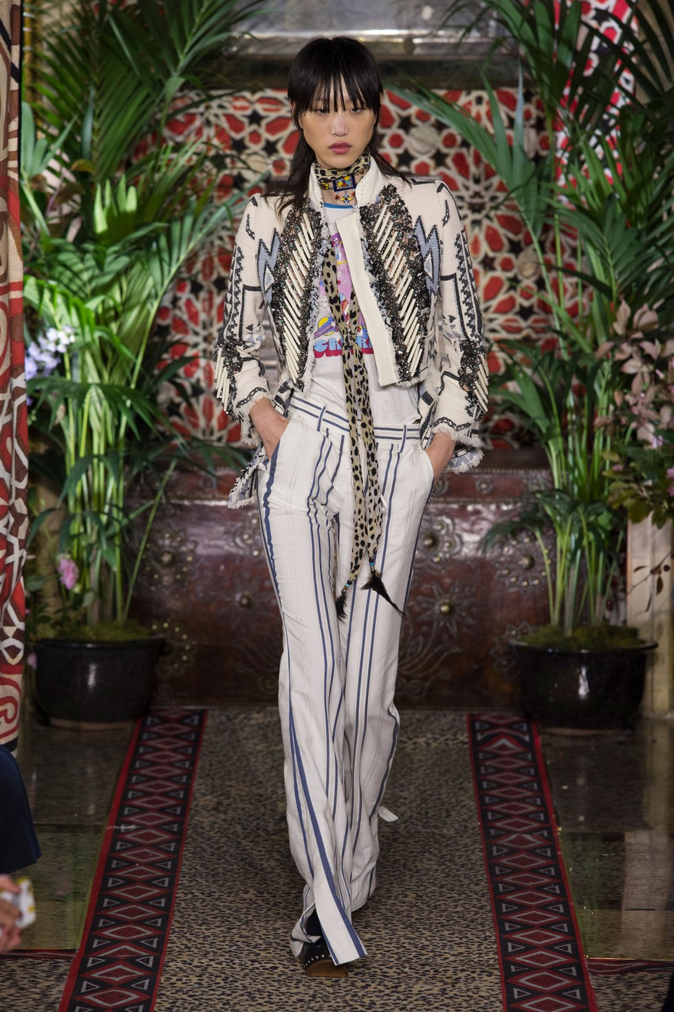Roberto Cavalli fashion dresses milan fashion spring summer 2017 Milan Fashion Spring Summer 2017 – day one best moments Roberto Cavalli 5
