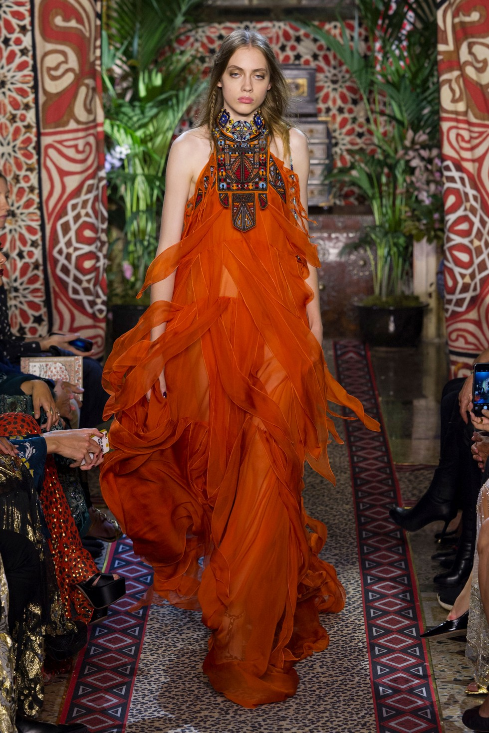Roberto Cavalli fashion dresses milan fashion spring summer 2017 Milan Fashion Spring Summer 2017 – day one best moments Roberto Cavalli 6