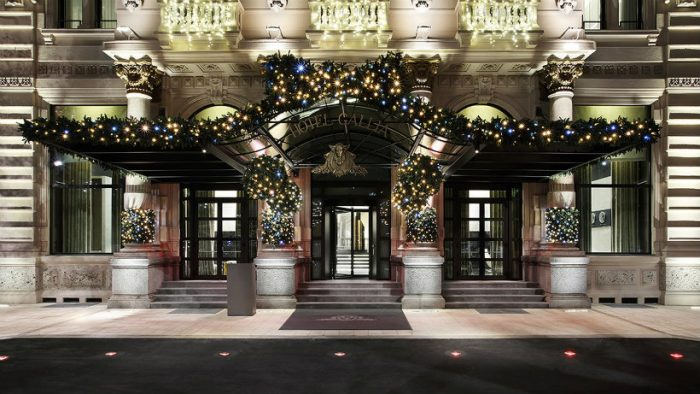 5 ideal luxurious hotels to spend a wonderful Christmas in Milan Christmas in Milan 5 ideal luxurious hotels to spend a wonderful Christmas in Milan Excelsior IMAGEM