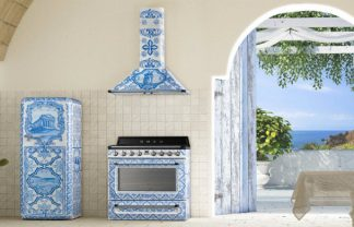Have you seen Smeg and Dolce & Gabbana's Divina Cucina? Divina Cucina Have you seen Smeg and Dolce & Gabbana's Divina Cucina? DESTAQUE 1 324x208
