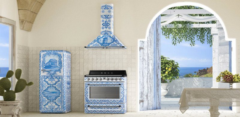 Have you seen Smeg and Dolce & Gabbana's Divina Cucina? Divina Cucina Have you seen Smeg and Dolce & Gabbana's Divina Cucina? DESTAQUE 1 800x390