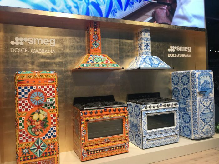 Have you seen Smeg and Dolce & Gabbana's Divina Cucina? Divina Cucina Have you seen Smeg and Dolce & Gabbana's Divina Cucina? Da IdVNXkAEGgaG