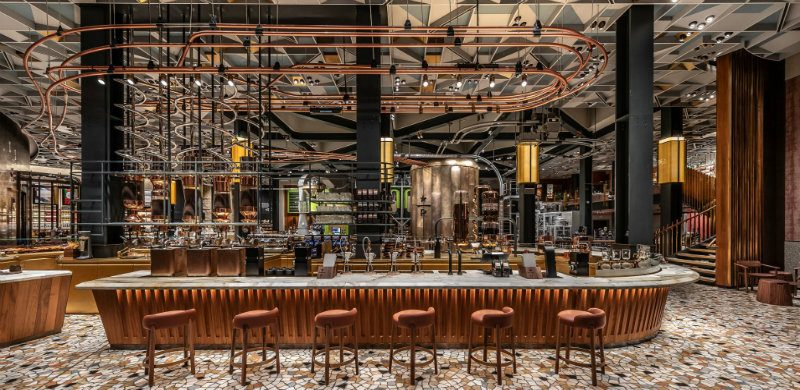 Have you seen the inside of the first Starbucks Roastery in Milan? Starbucks Have you seen the inside of the first Starbucks Roastery in Milan? Destaque 800x390
