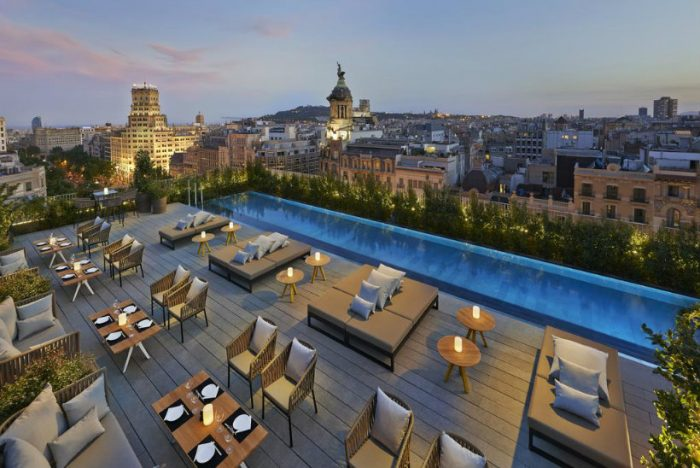 Top 5 Hotels in Milan that really show the best of Italian style Hotels Top 5 Hotels in Milan that really show the best of Italian style MandarinOriental 700x468