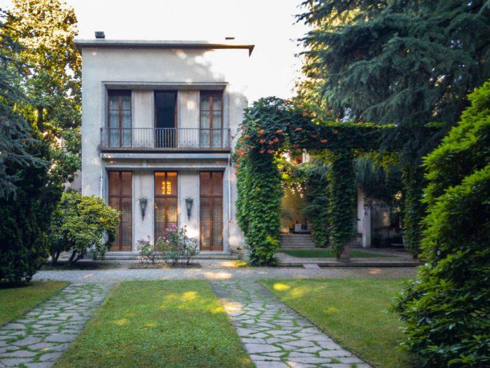 A look inside Milan's Villa Borsani, home of Osvaldo Borsani Villa Borsani A look inside Milan's Villa Borsani, home of Osvaldo Borsani Borsani1 700x525