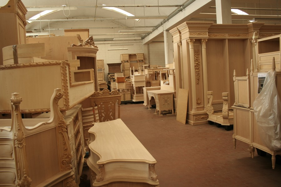 italian craftsmanship The Most Exquisite Italian Craftsmanship the world has seen The Most Exquisite Italian Craftsmanship Brianza Traditional Furniture Hand Craft