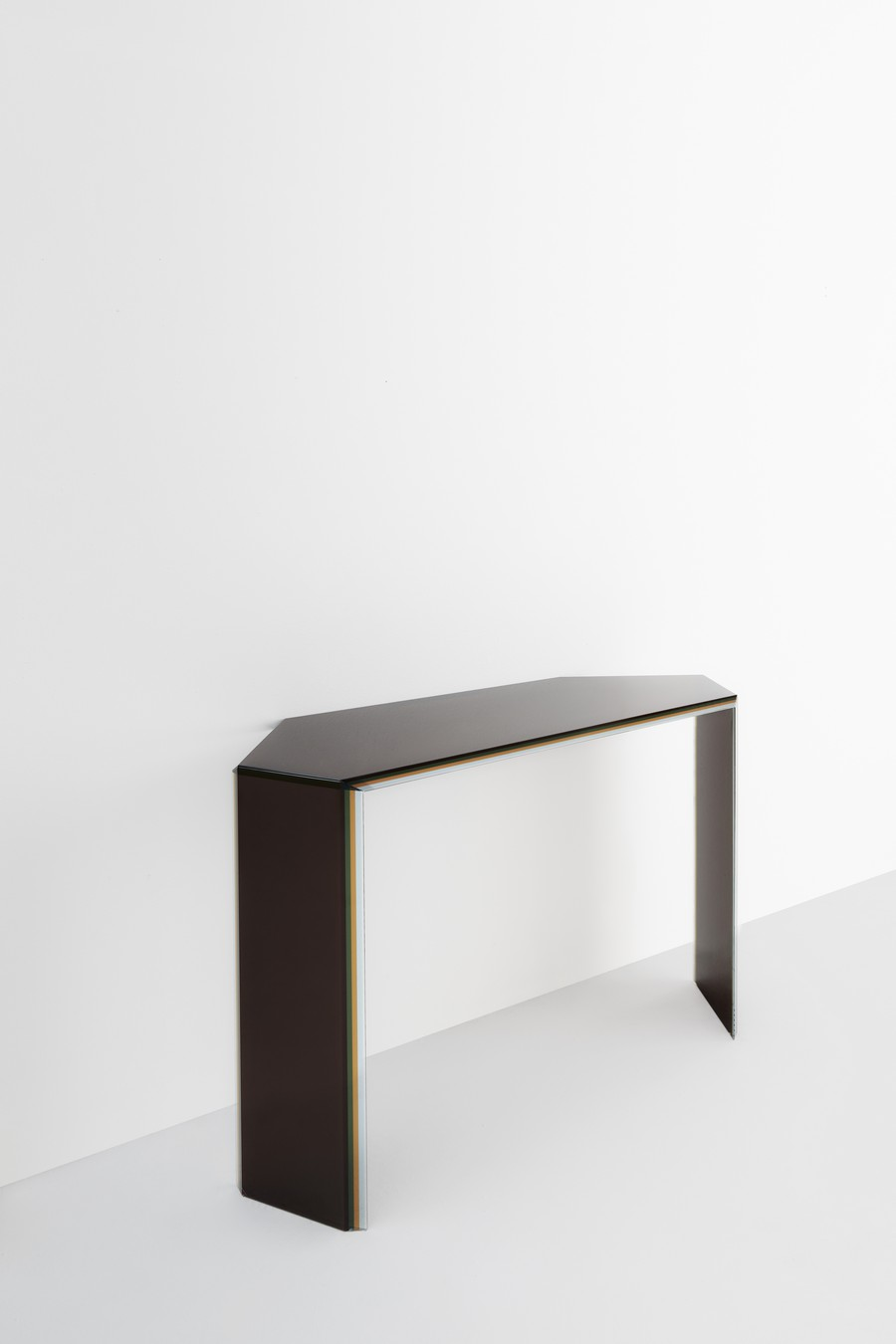 milan design week Milan Design Week: the novelties from some top brands (Part 1) BISEL console PatriciaUrquiola 01