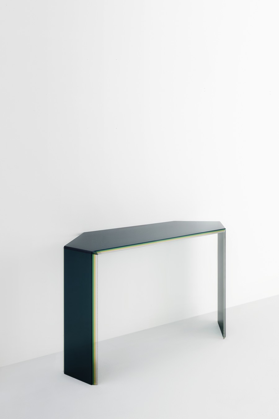 milan design week Milan Design Week: the novelties from some top brands (Part 1) BISEL console PatriciaUrquiola 02