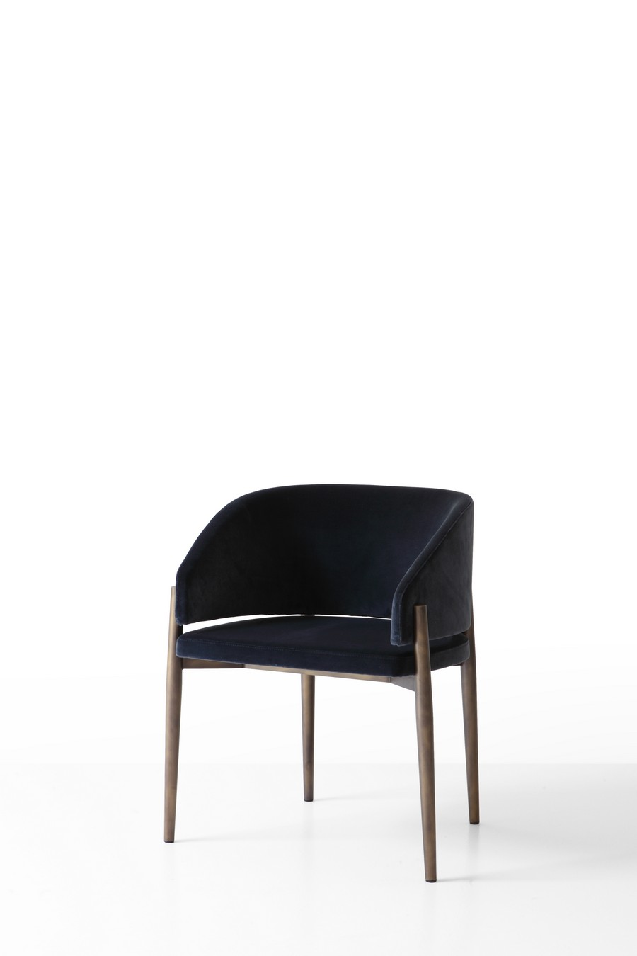 porro Check out these furniture novelties by Porro and Piero Lissoni FRANK 05
