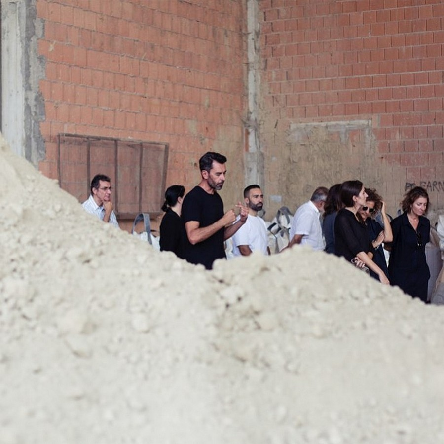 Meet Matteo Brioni: a Designer who works with Raw Earth!