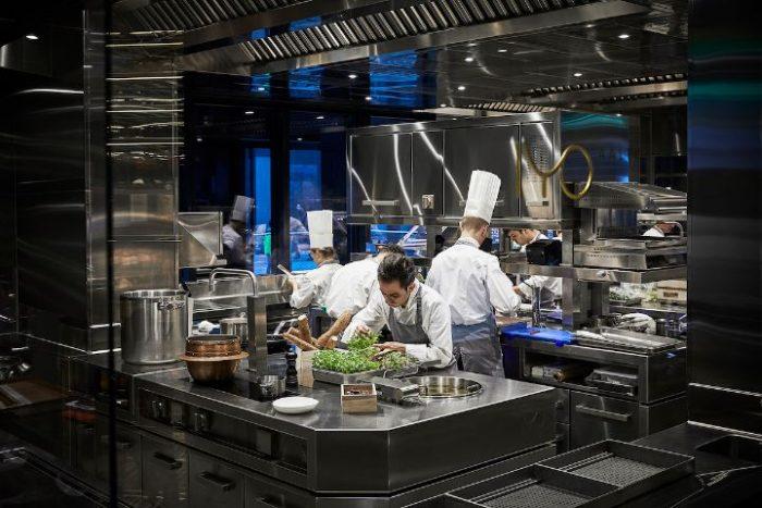 maurizio lai Maurizio Lai Designed a Stunning Asian Restaurant in Milan! 17 IYOAalto CucinaAVista phCourtesyIYOAalto LR 700x467