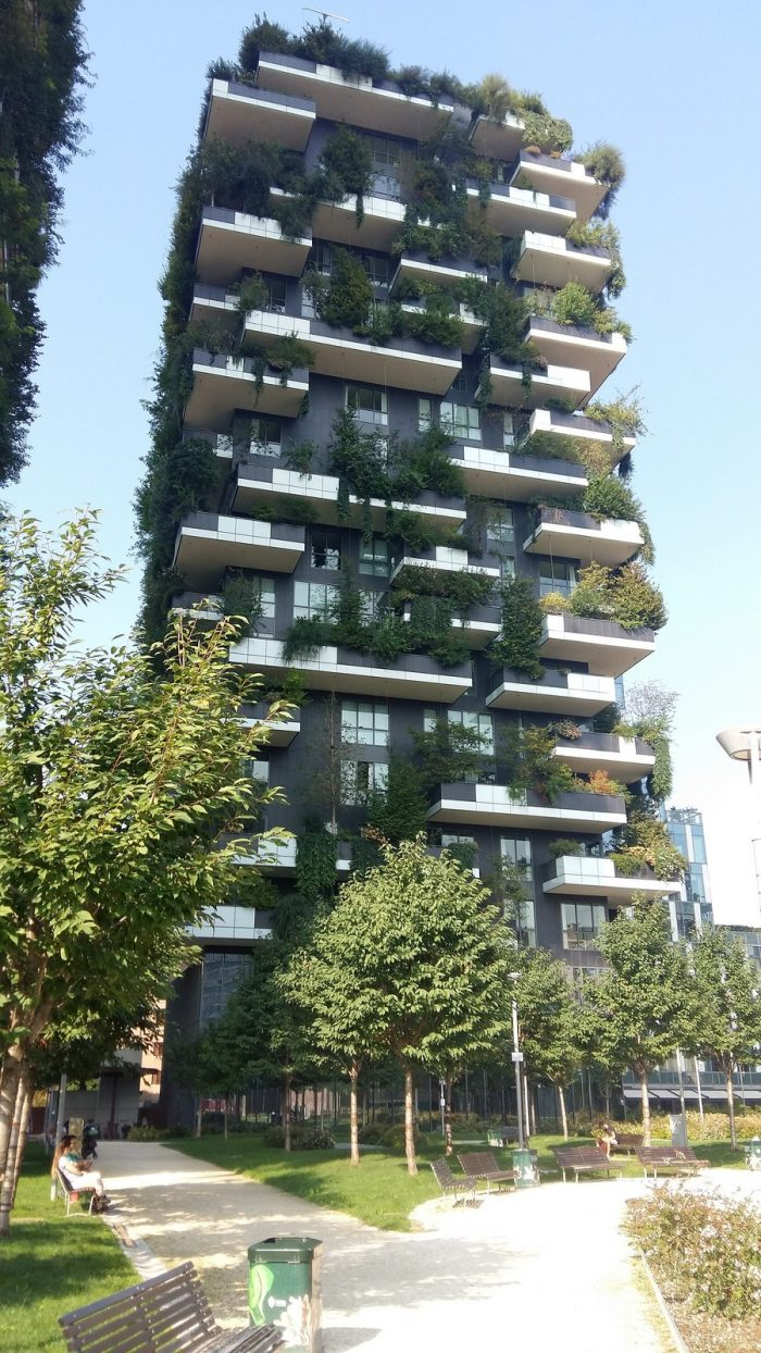 porta nuova Design Guide through Porta Nuova, the Contemporary District in Milan 2322px Bosco Verticale 2018 06 700x1244