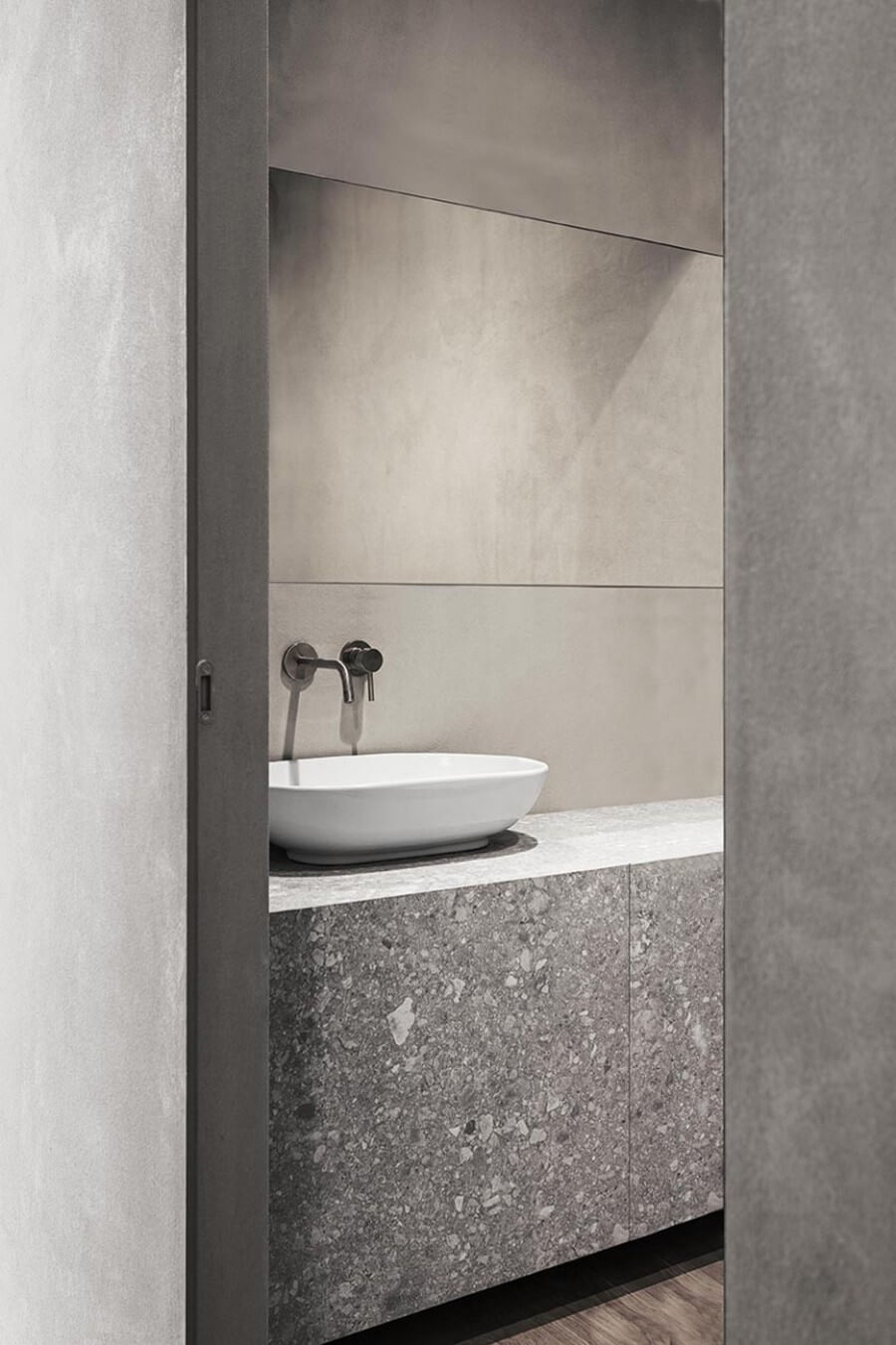 Timeless Bathroom Designs by AIM Studio aim studio Timeless Bathroom Designs by AIM Studio Timeless Bathroom Designs by AIM Studio 1
